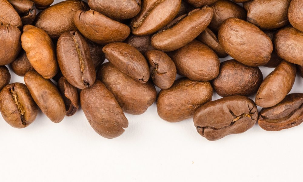 Do light roasts have higher caffeine content than dark roasts?